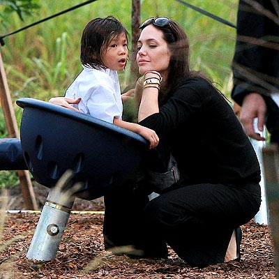 CLOSE ENCOUNTER photo | Angelina Jolie, Pax Thien Jolie-Pitt