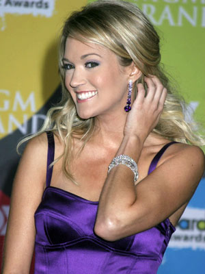 carrie underwood hair color. CARRIE UNDERWOOD