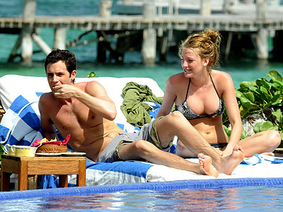 SNACK TIME photo | Blake Lively, Penn Badgley