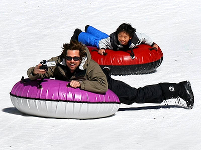 THEIR FUN FAMILY: ADVENTURES! photo | Brad Pitt