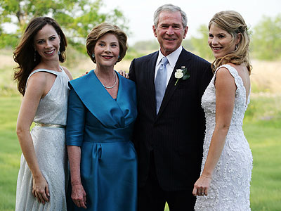 FAMILY PORTRAIT photo | Barbara Bush, George W. Bush, Jenna Bush, Laura Bush