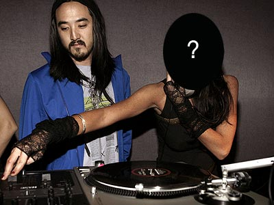 Who manned the turntables at a Diesel party in N.Y.C.? | Lindsay Lohan