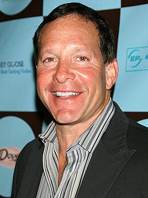 Steve Guttenberg  photo | Steve Guttenberg