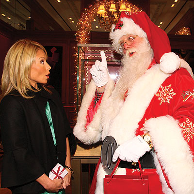 SANTA IS COMING TO FROWN! photo | Kelly Ripa