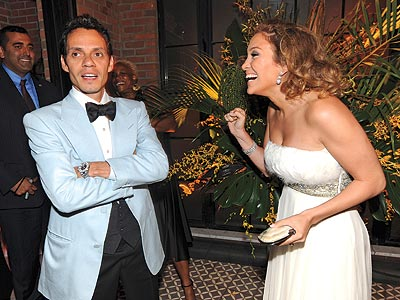 SHOCK AND 'AWW'... photo | Jennifer Lopez, Marc Anthony
