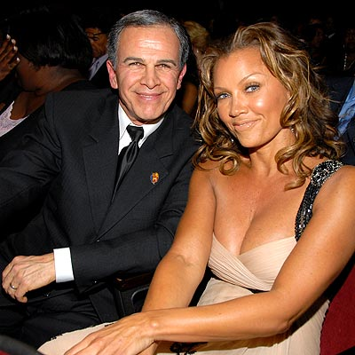 http://img2.timeinc.net/people/i/2008/gallery/naacp/vanessa_williams400.jpg