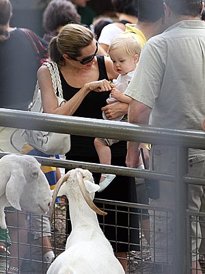 NEW YORK photo | Angelina Jolie, Shiloh Jolie-Pitt
