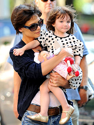 PRECIOUS CARGO photo | Katie Holmes, Suri Cruise