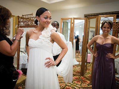 Photo Special Tia Mowry Wedding Photos!