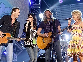 Little Big Town's Phillip & Rebecca Sweet Have a Girl
