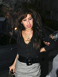 Amy Winehouse Gets U.S. Visa After All! | Amy Winehouse