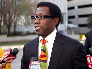 Wesley Snipes Sentenced to Three Years in Jail | Wesley Snipes
