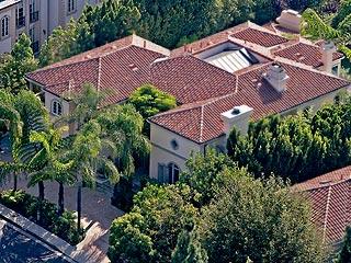Avril Lavigne Cuts Price of House| Celeb Real Estate, Avril Lavigne