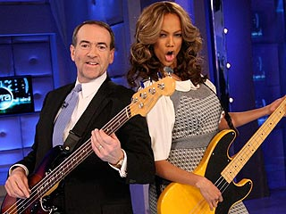 Tyra Rocks Out with Mike Huckabee