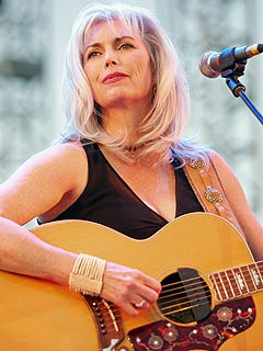 Emmylou Harris Named to Country Hall of Fame
