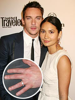 Jonathan Rhys Meyers Explains Mystery Ring | Jonathan Rhys Meyers