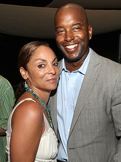 A Different World's Jasmine Guy Files for Divorce | Jasmine Guy
