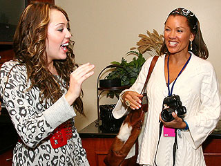 Vanessa Williams: I Am &#39;World&#39;s Coolest Mom&#39; | Miley Cyrus, Vanessa Williams