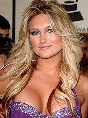 Brooke Hogan Calls Mom's Behavior 'Disappointing'