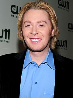Clay Aiken Reaches Out to Kenyan Children