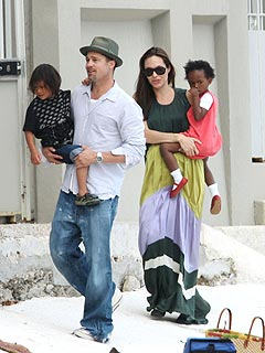 Brad & Angelina&#39;s High-Flying Weekend