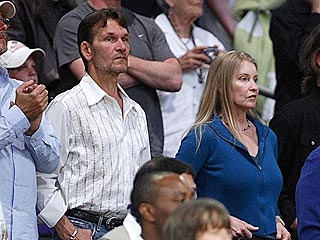 Patrick Swayze & Wife Lisa Catch a Lakers Game