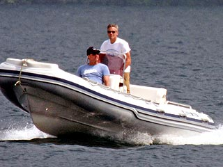 Clooney Goes Boating & Golfing with His Buddies