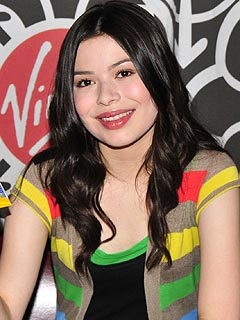 Miranda Cosgrove Is Coy About Who She's Kissing | Miranda Cosgrove