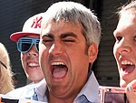 Taylor Hicks Admits: I'm a Jonas Brothers Fan!