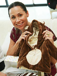 Minnie Driver Enjoys Casual Baby Shower | Minnie Driver