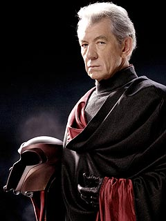 Ian McKellen Eager to Play Magneto Again