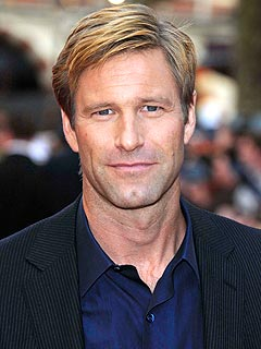 Aaron Eckhart Would Relocate for the Right Partner | Aaron Eckhart