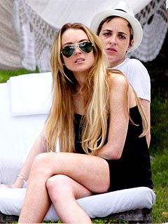 Lindsay & Samantha Hang with Ronson Clan in Miami