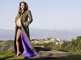 Lisa Marie Presley Bares Her Baby Bump