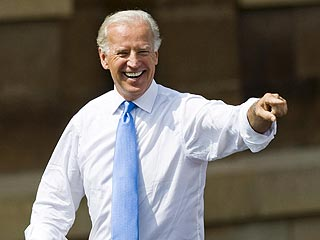 Barack Obama Reveals How He Popped the Question to Joe Biden| Democratic National Convention, Barack Obama
