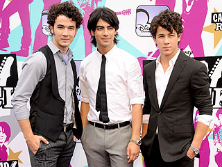 NYPD Fears Jonas Brothers &#39;Mob Scene&#39; on New Year&#39;s