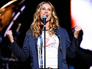 Julia Roberts and Dave Matthews Rock Out for Cancer Concert