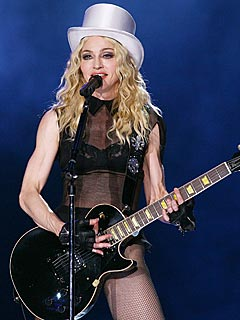 Madonna Dedicates 'Like A Virgin' to the Pope