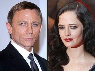 Daniel Craig's Latest 007 Wound: His Finger