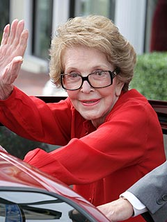 Nancy Reagan Hospitalized with Broken Pelvis