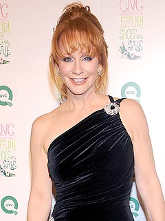 Reba McEntire: 'Girls Put on a Better Show'
