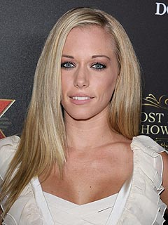 kendra wilkinson girls next door