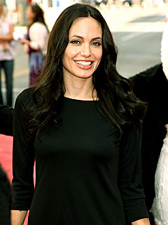 Angelina: Breast Feeding Twins Is &#39;Very Hard&#39;