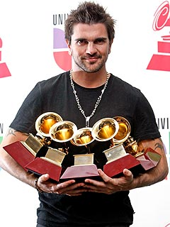 Colombian Rocker Juanes Sweeps Latin Grammys