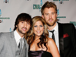 Kenny Chesney, Carrie Underwood Win Big at CMA Awards| Lady Antebellum