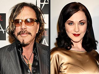 Evan Rachel Wood Denies Dating Mickey Rourke