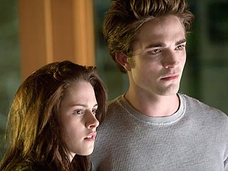 Twilight Author Urges Fans to Trust New Director