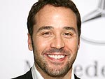 Jeremy Piven Brings His Own Entourage to the Hamptons