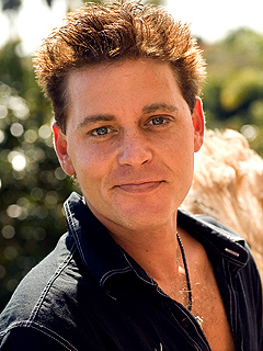 POLL: Should Corey Haim Have Been Included in Oscar Tribute? | Corey Haim