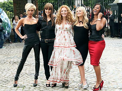 When the Spice Girls reunited for their 2007 tour, each one had performed a solo. What did Posh do for hers? | Victoria Beckham